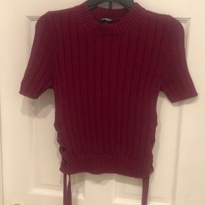 Short sleeved dark red sweater with side laces. S